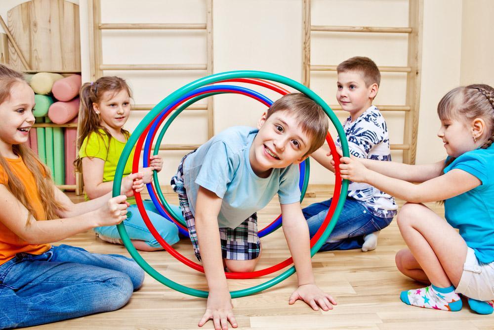Діти граються