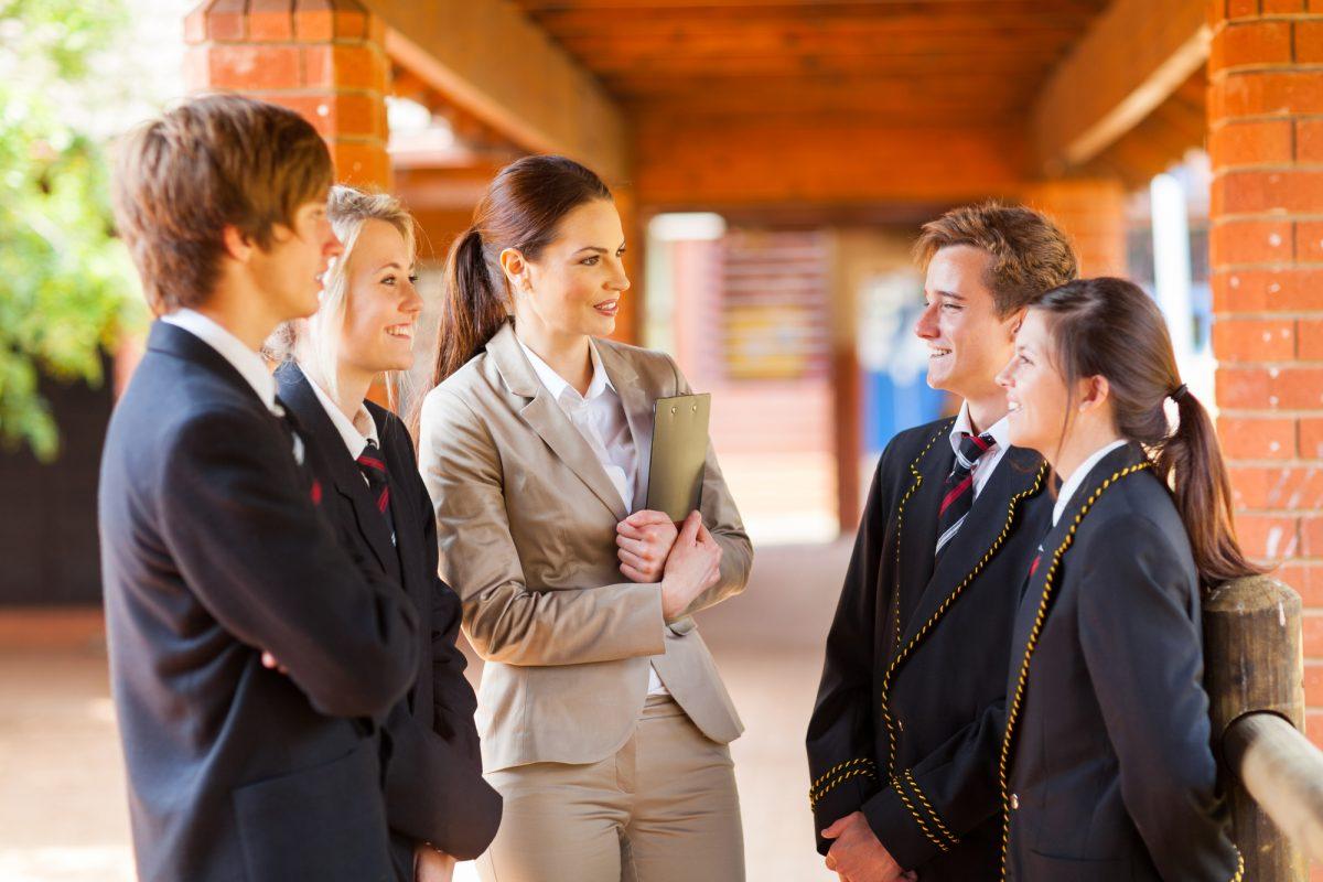 Вибори: 7 кроків для мирних політичних дебатів у школах