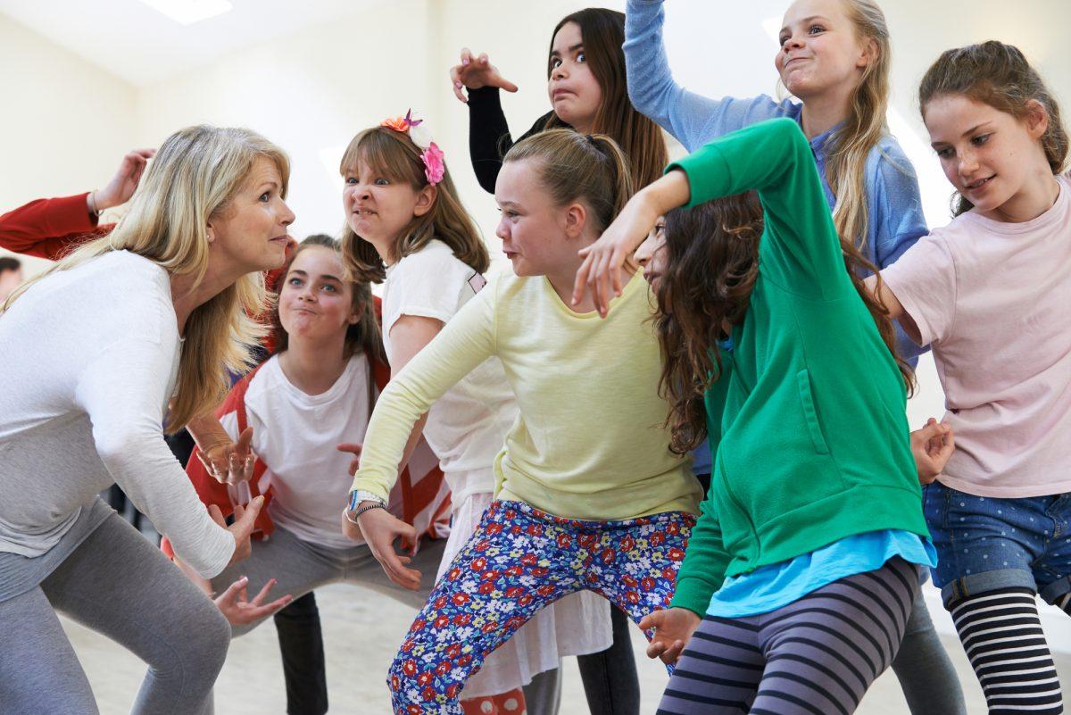Рухатись у будь-яку погоду: добірка вправ та ігор, які можна робити у класі