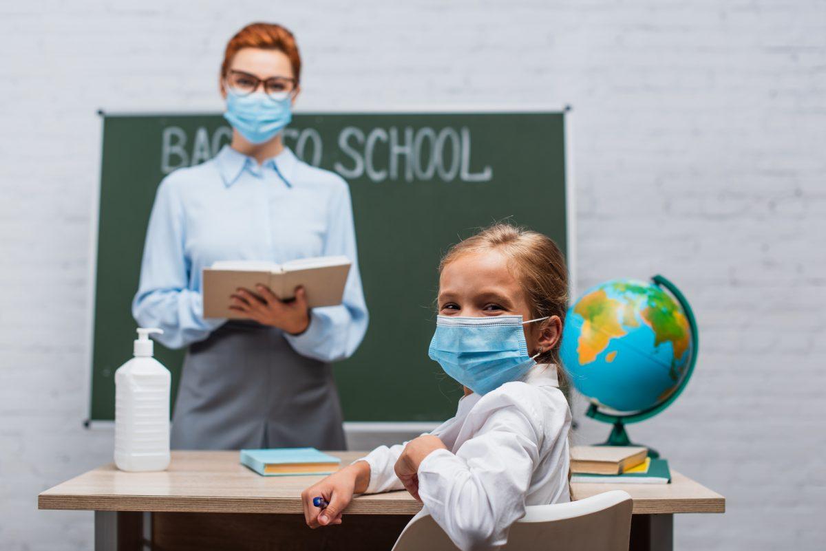 Маски, антисептики, дистанція: як 8 країн відкриватимуть школи (ПОРІВНЯННЯ)  | Нова українська школа